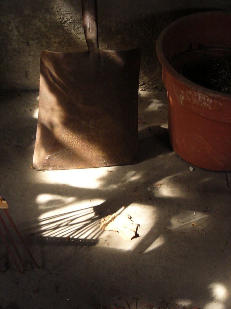 Garageshadow2